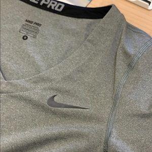 Nike pro workout top